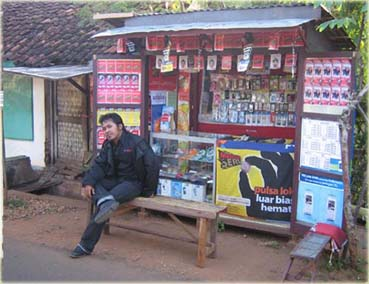 booth-ponsel.jpg